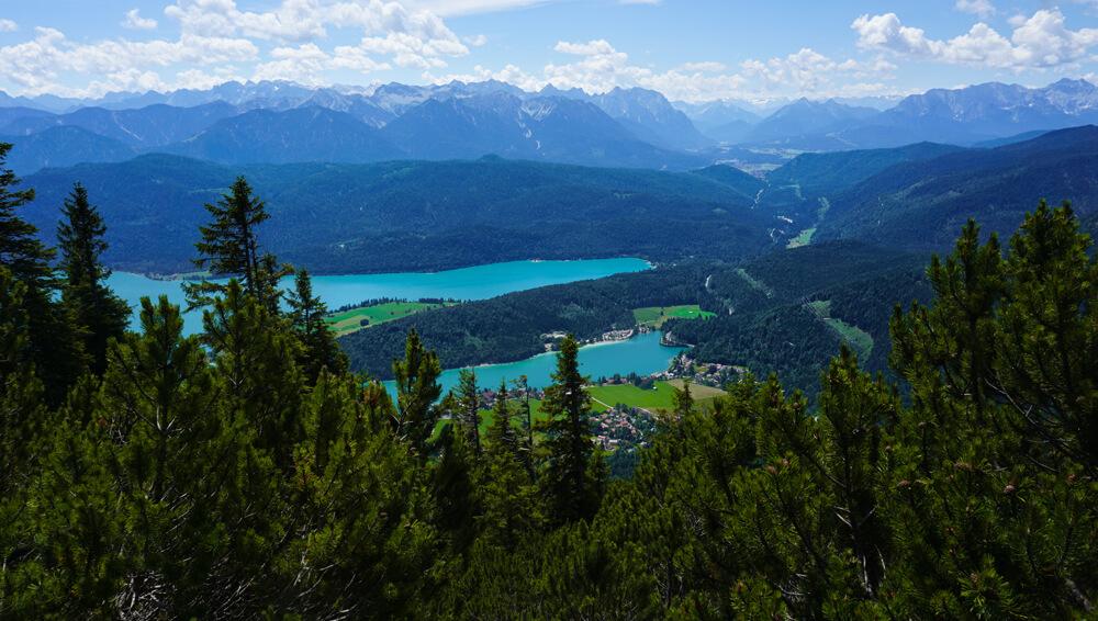 walchensee-bayern-alpen-wanderung-zum-herzogstand-panorama
