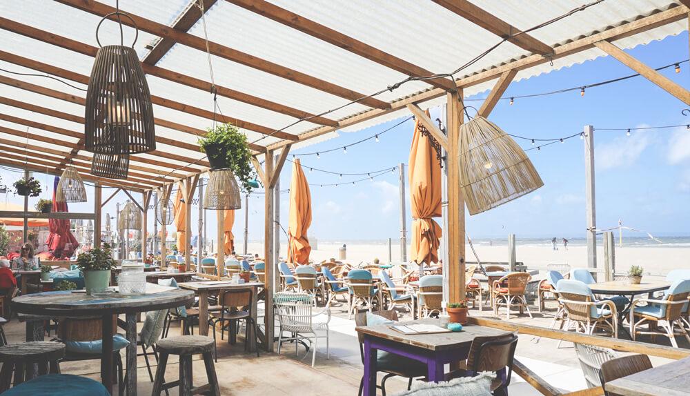 Beach-Bar-Scheveningen-Niederlande-Den-Haag-Holland-Nordsee