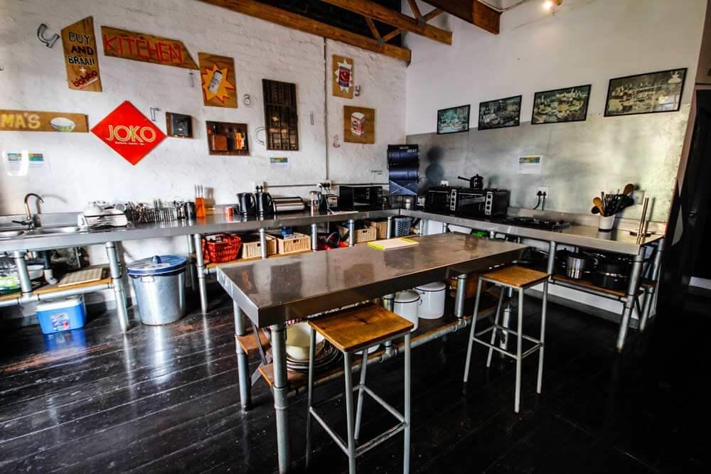 Curiocity-Hostel-Johannesburg-kueche-gemeinschaft
