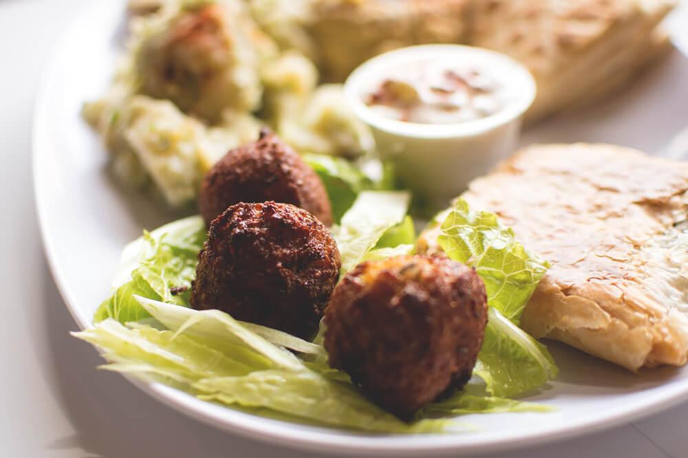 Falafel-Humus-Pitabrot-Imbiss-Street-Food