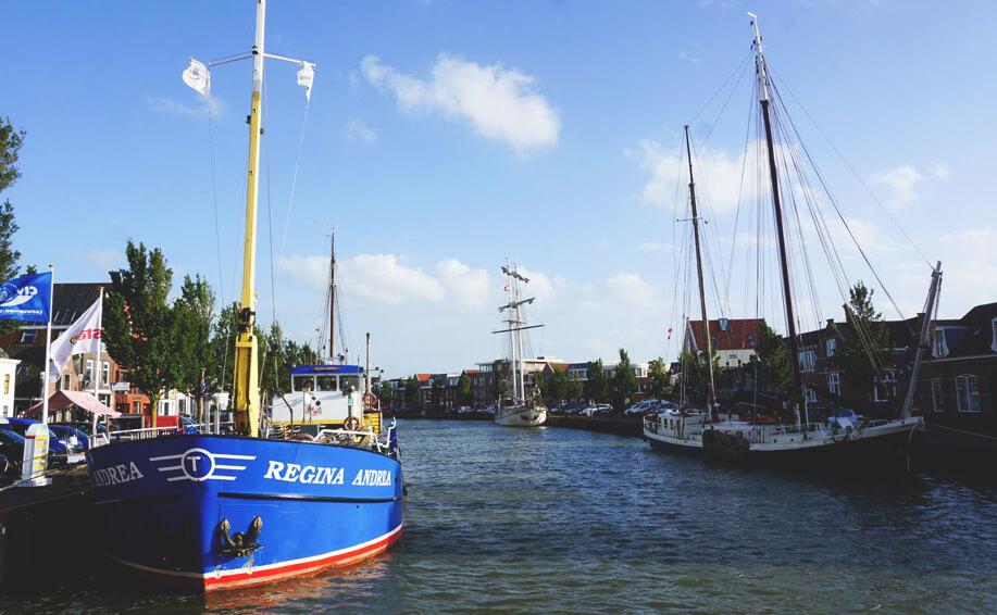 Harlingen-Tipps-Hafen-Friesland-Schiffe