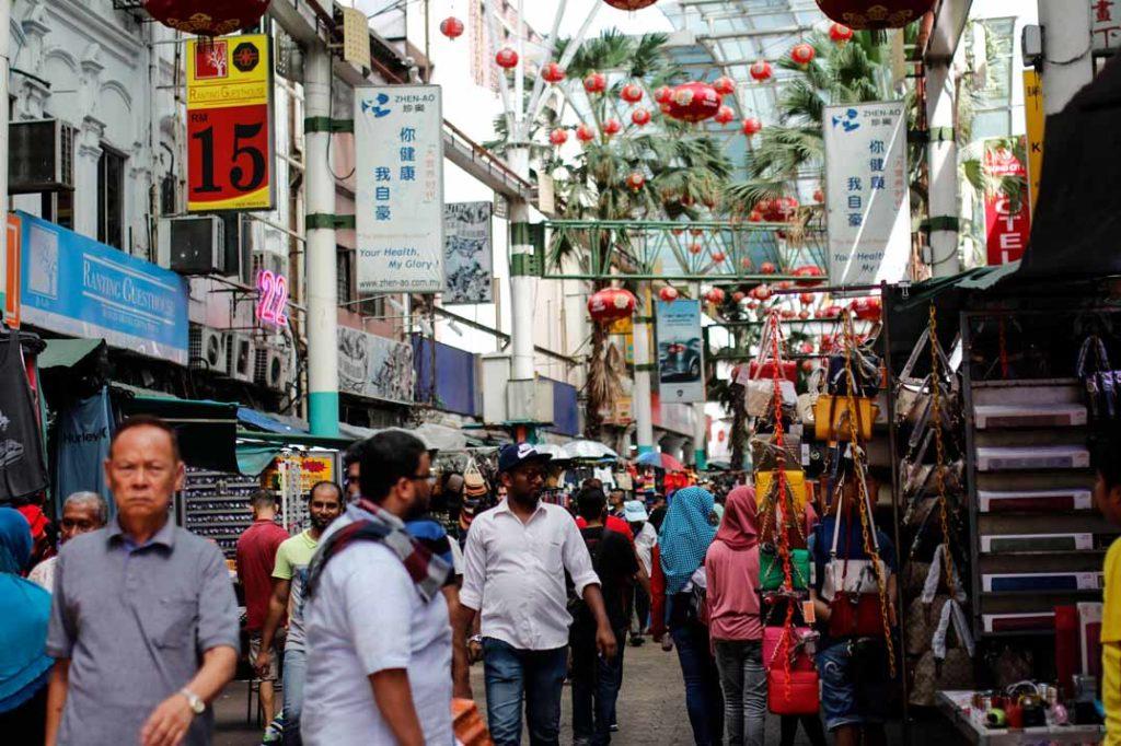 Kuala-Lumpur-Highlights-China-Town-Petaling-Street-Malaysia