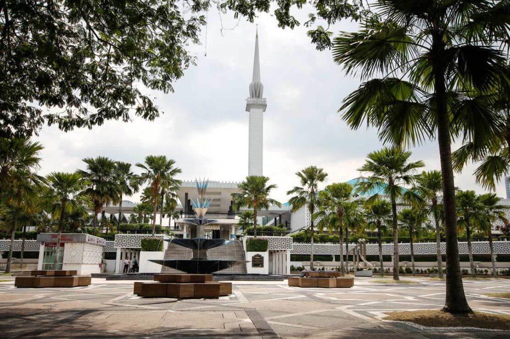 Kuala-Lumpur-Highlights-National-Mosque-Masjid-Negara-Malaysia