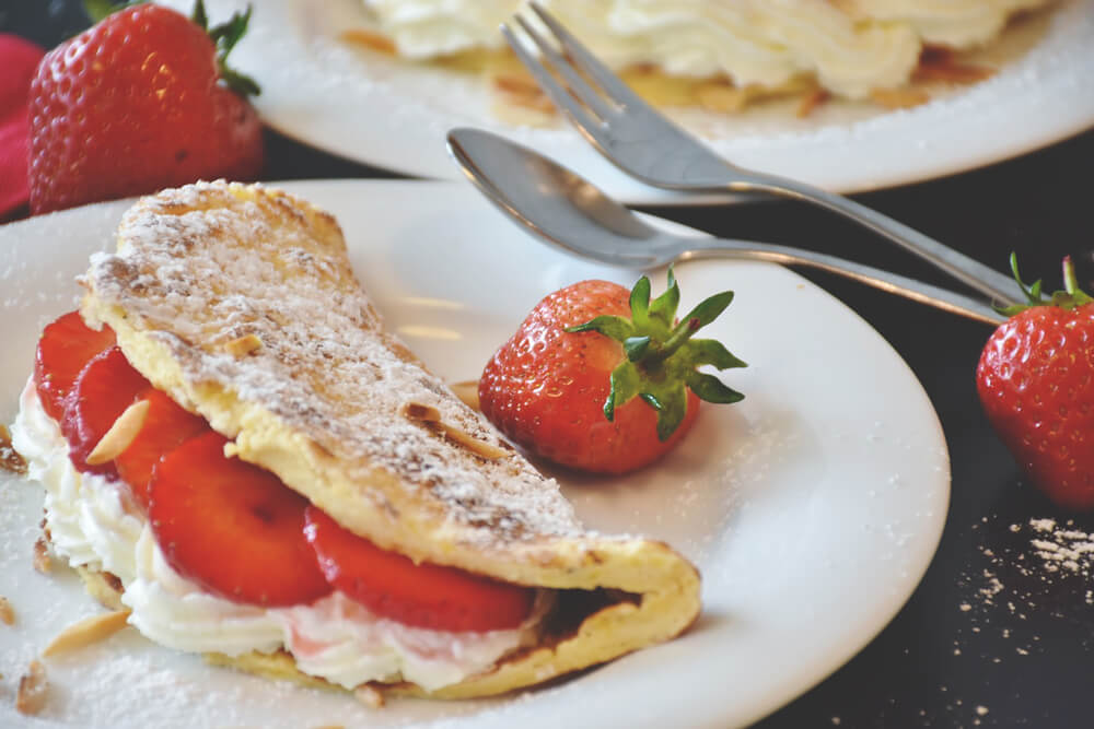 Pancakes-Erdbeeren-Food-Weltreise-Fruechte