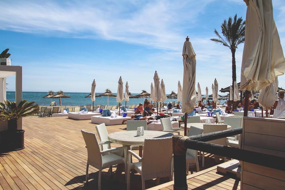 Puerto-Banus-Marbella-Andalusien-Spanien-Beach-Club