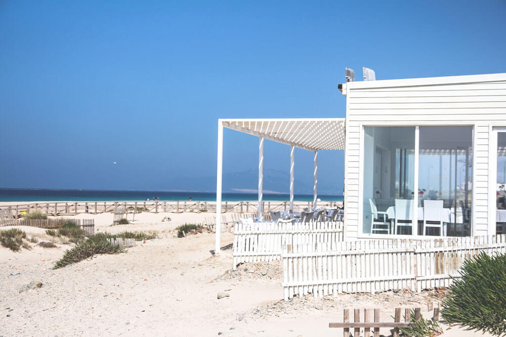 Tarifa-Spanien-Andalusien-Strand-Restaurant