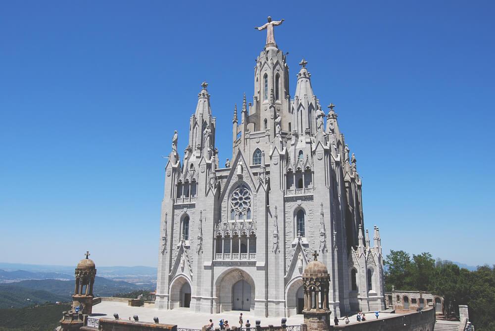 Tibidabo-Barcelona-Kirche-Spanien-Aussicht