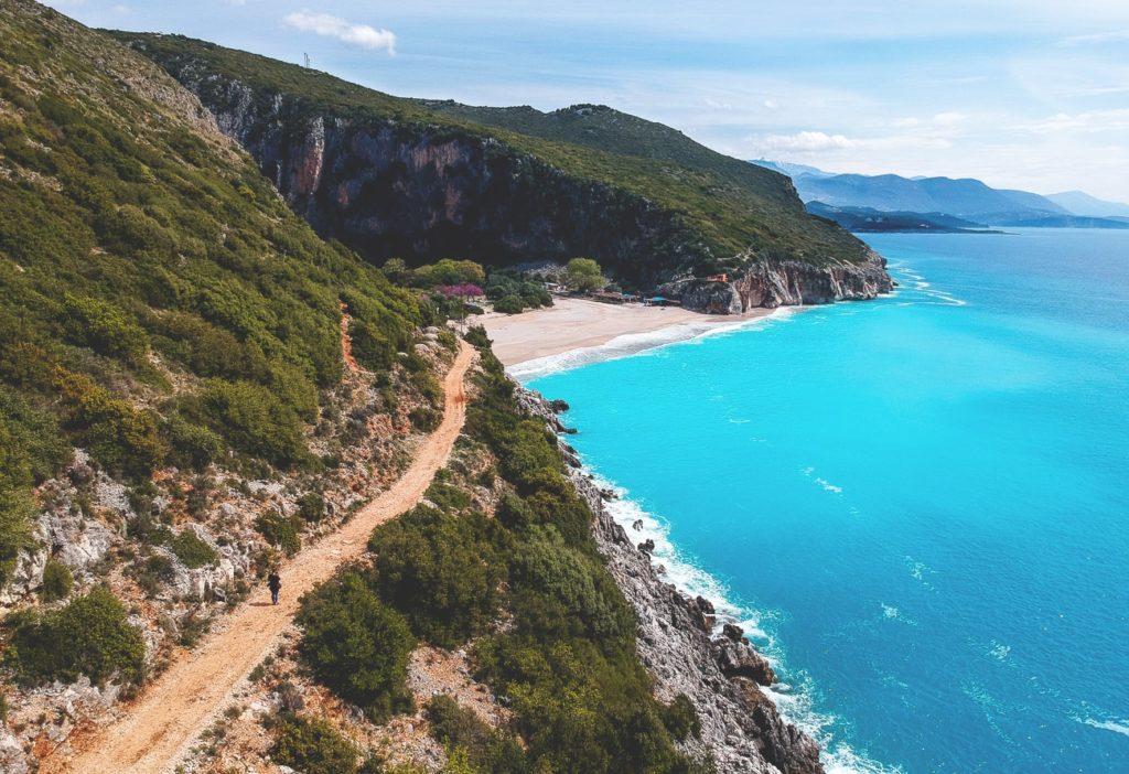 albanien-reise-straende-gjipe-beach-drohne