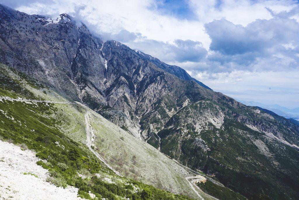 albanien-urlaub-llogara-pass-strasse-berge