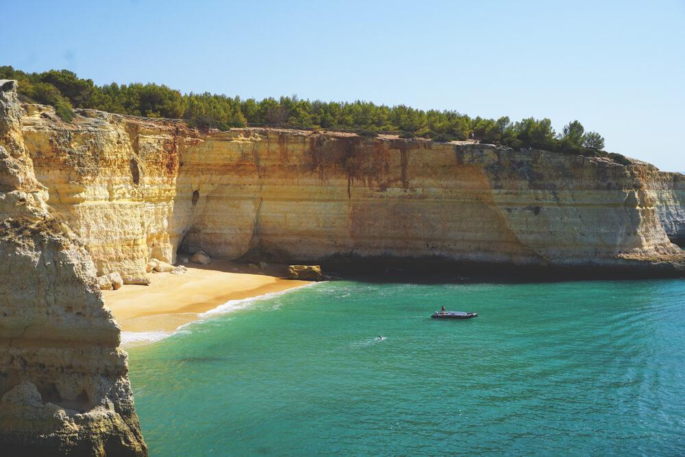 algarve-rundreise-praia-benagil-wanderung