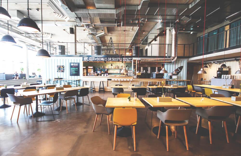 dock-inn-warnemuende-container-hostel-lobby-bar