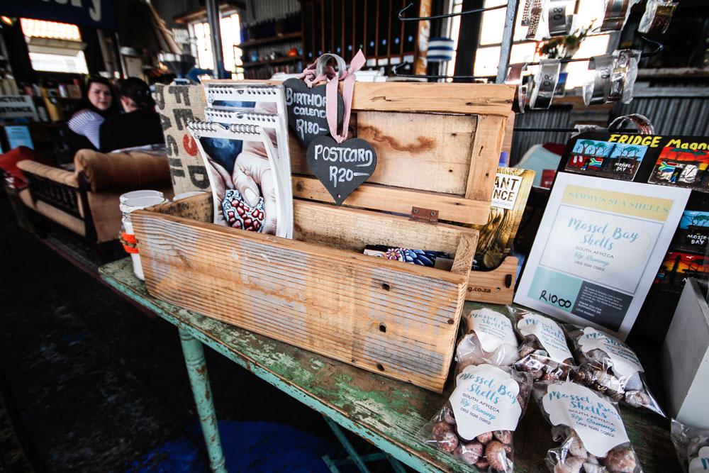 shopping-mossel-bay-suedafrika-blue-shed-coffee