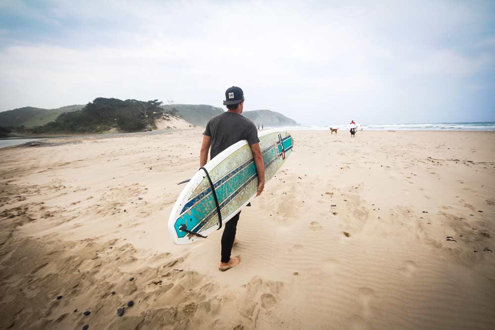 surfen-coffee-bay-suedafrika-wild-coast-beach