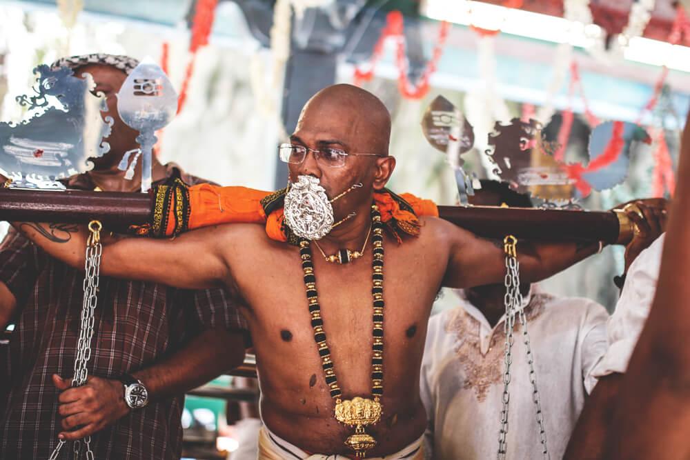 thaipusam-batu-caves-kuala-lumpur-ritual-religion