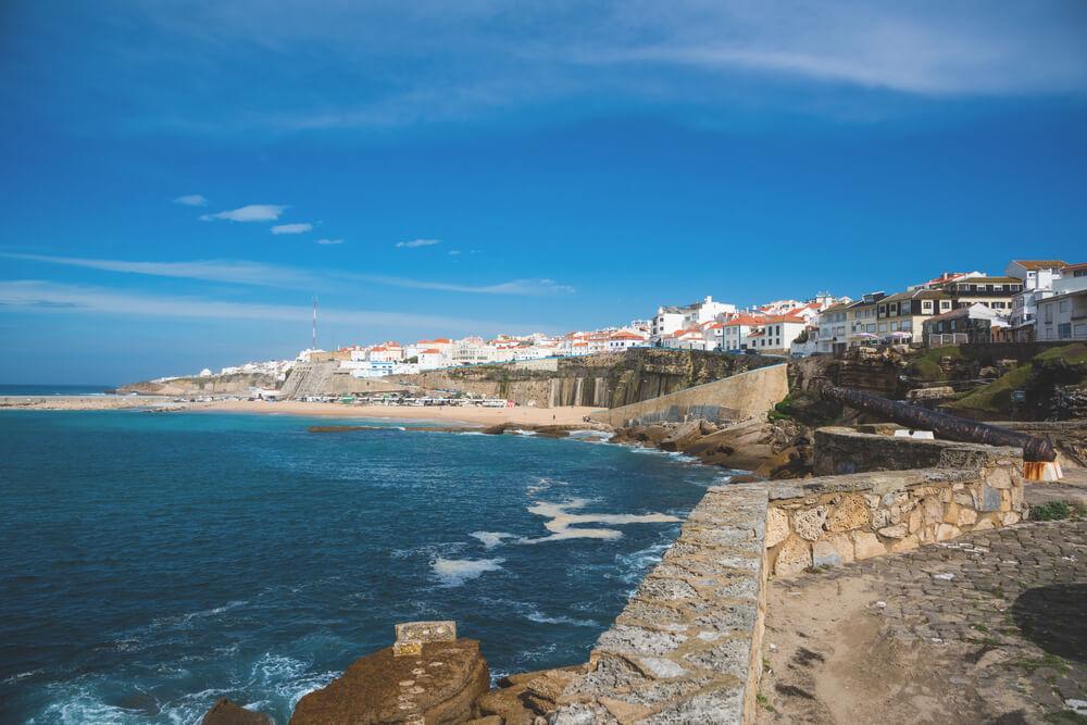 Ericeira-Portugal-Hafen-Strand-Aussicht-Meer
