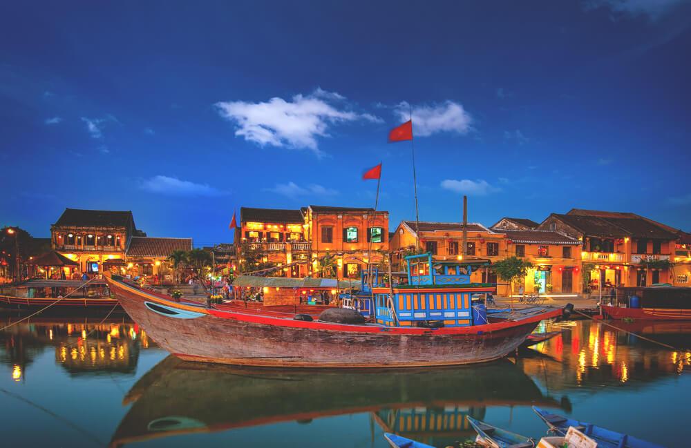 Hoi-An-Vietnam-Fluss-Abend-Lichter