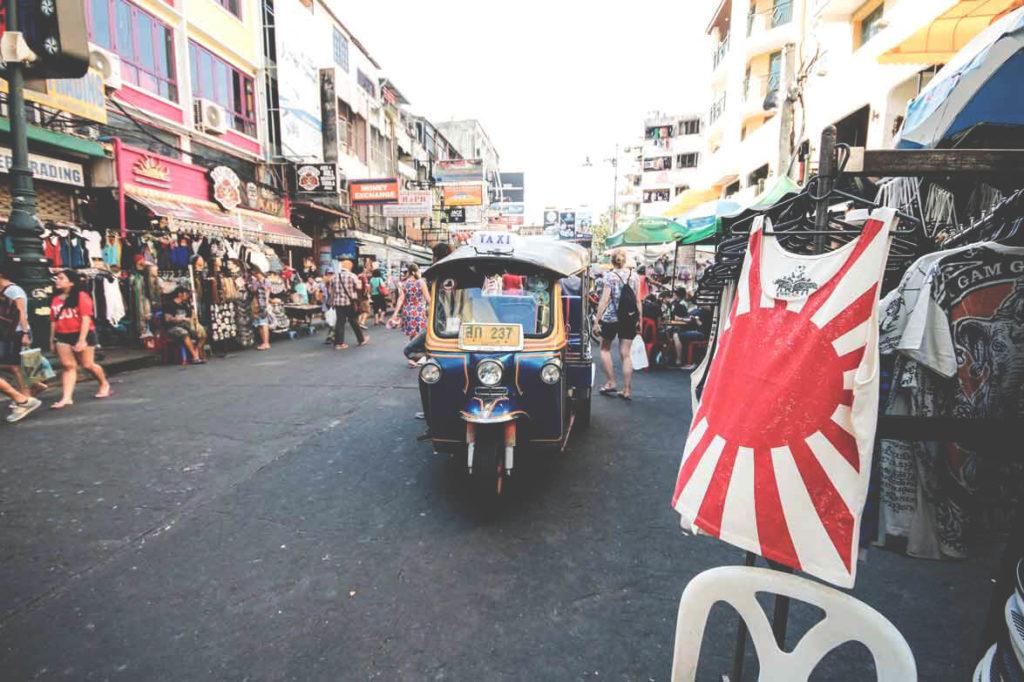 backpacking-in-thailand-bangkok-kaosan-road