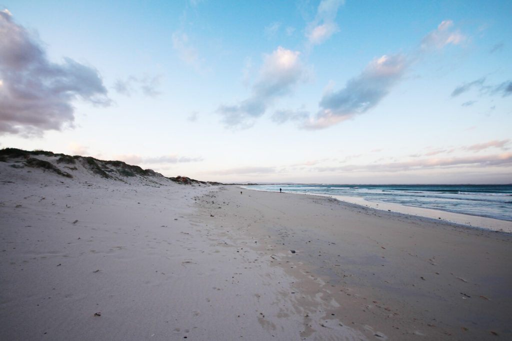 cape-agulhas-suedafrika-struisbaai-strand