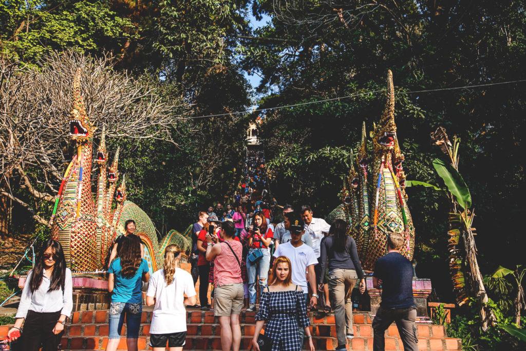 chiang-mai-sehenswuerdigkeiten-Wa--Phra-That-Doi-Suthep-Treppe