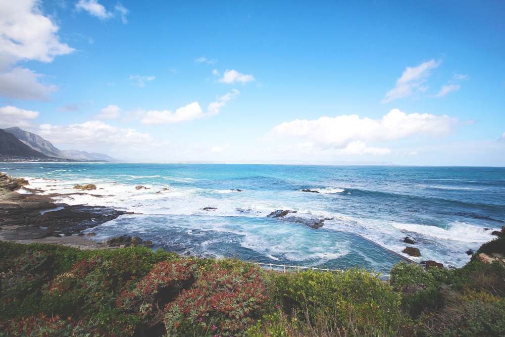 hermanus-suedafrika-cliff-path-trail-Meer