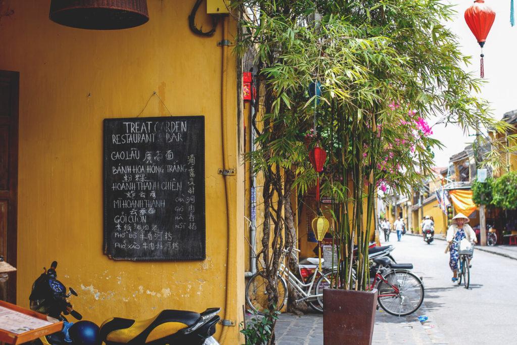 hoi-an-vietnam-restaurant-und-cafe