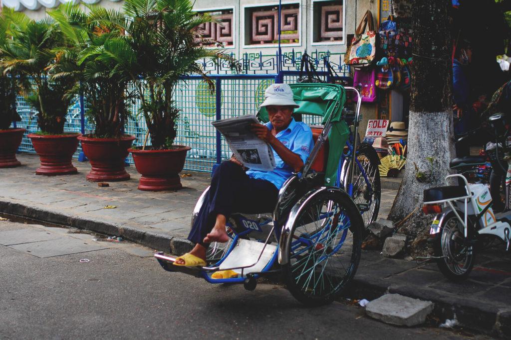 hoi-an-vietnam-transport-taxi