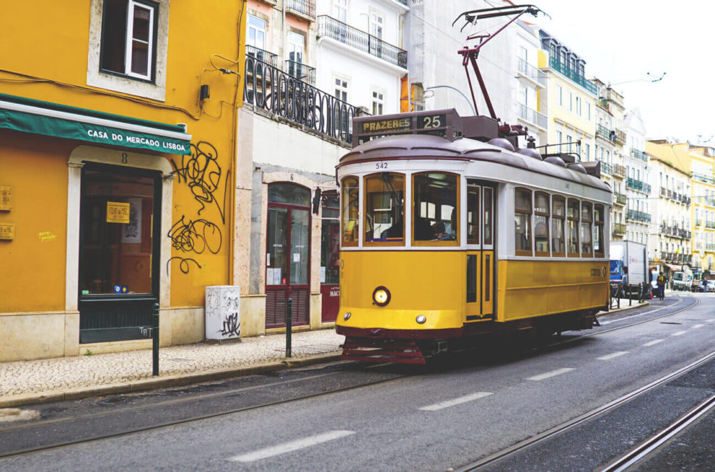 portugal-lissabon-bahn-tram
