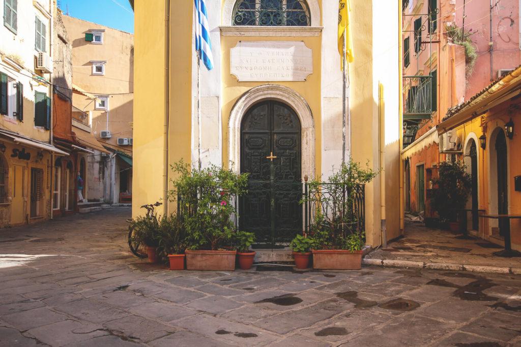 Kurzurlaub-auf-Korfu-Altstadt-Gassen