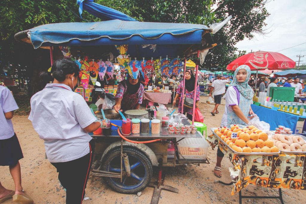 Phuket-Sehenswuedrigkeiten-maerkte-essen