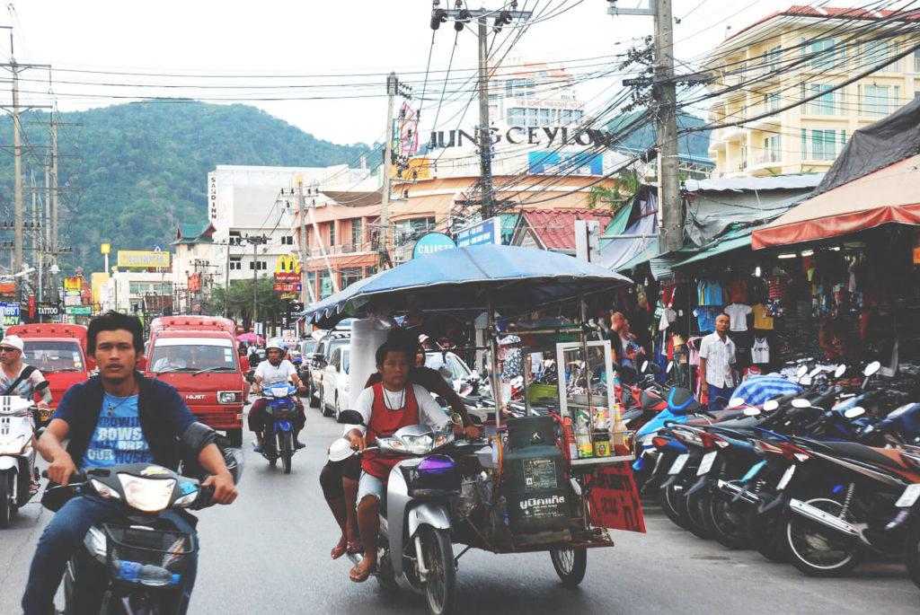 Phuket-Tipps-Sehenswuerdigkeiten-Patong-Party