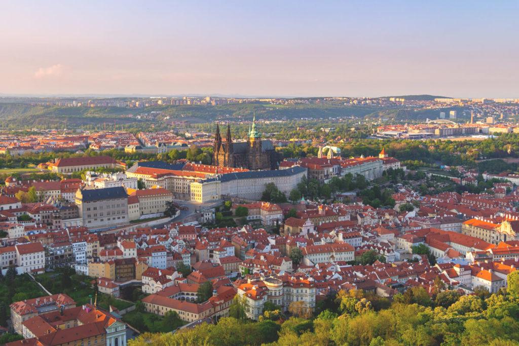 Prag-Sehenswuerdigkeiten-Aussicht-Petrin-Turm