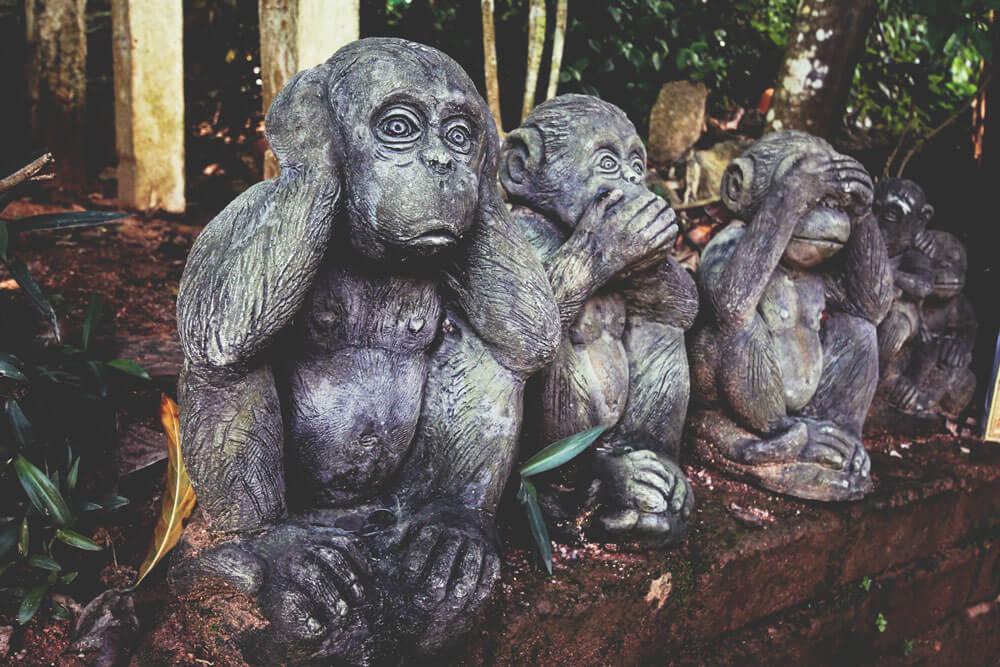 affen-statue-big-buddha-phuket-thailand