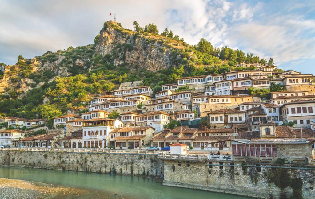 berat-stadt-der-tausend-fenster-albanien-highlights