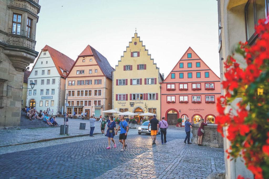 marktplatz-rothenburg-sehenswuerdigkeiten