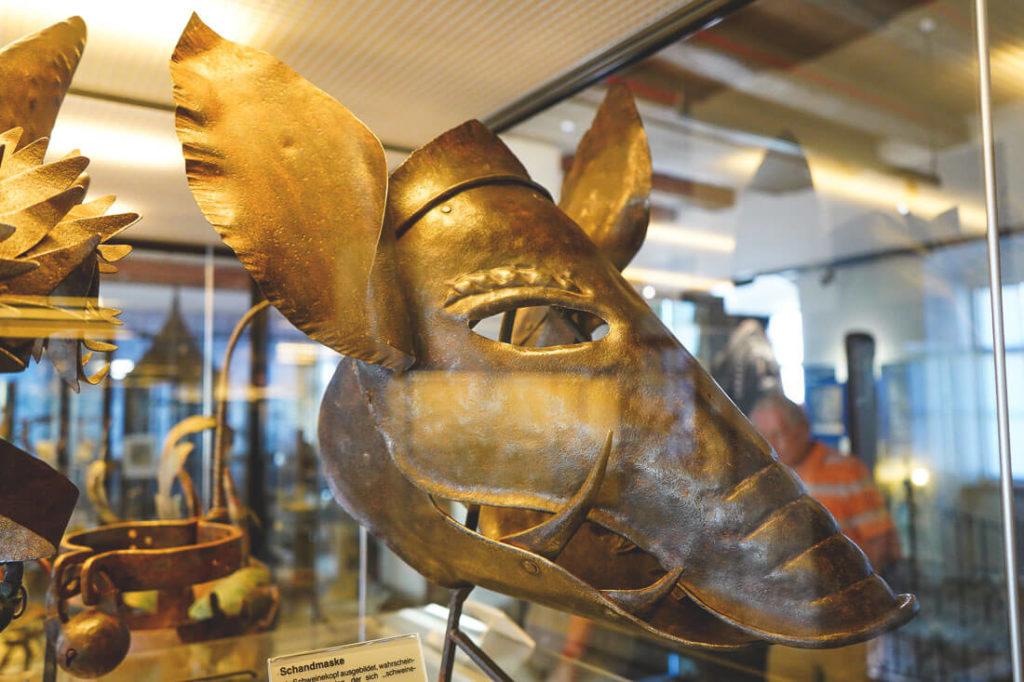 mittelalterliches-kriminalmuseum-rothenburg-schandmaske