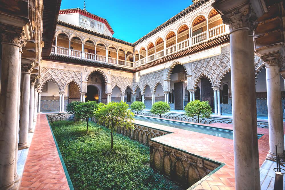 sevilla-sehenswuerdigkeiten-Alcazar-Innenhof