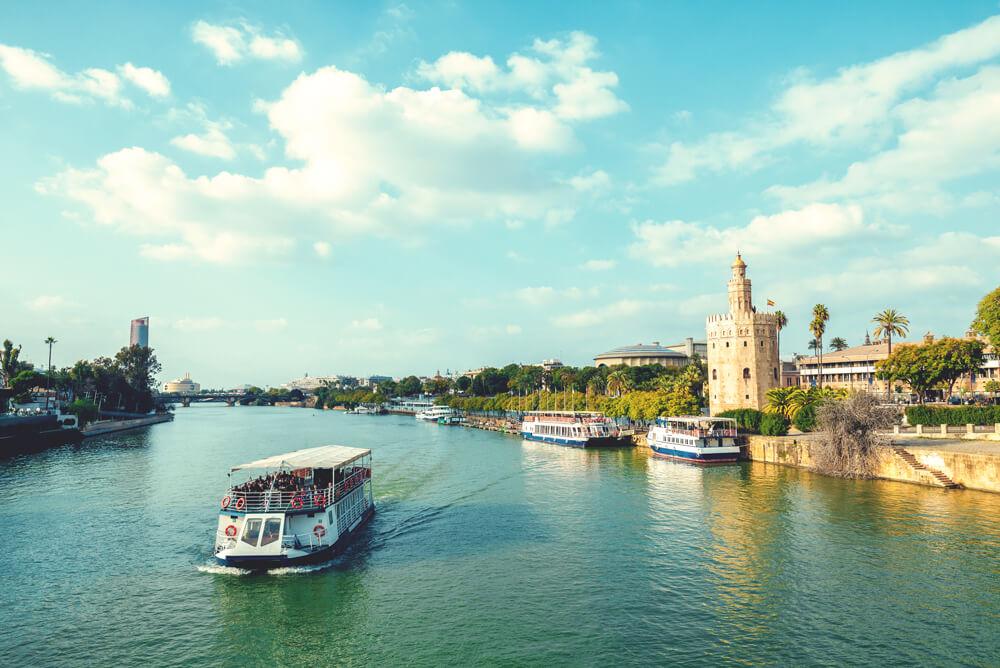 Sevilla in Andalusien – Die schönsten Sehenswürdigkeiten & Tipps