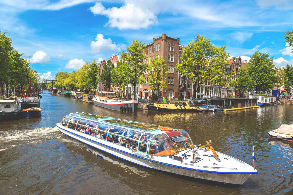 Amsterdam-Highlights-Grachten-Tour-Kanaele