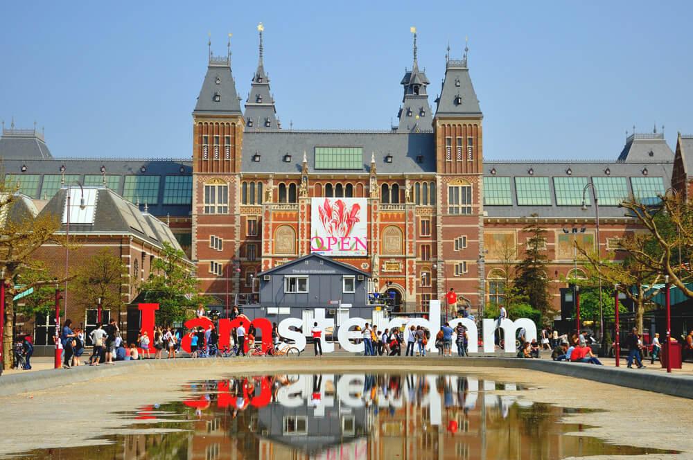 Amsterdam-Sehenswuerdigkeiten-Rijksmuseum