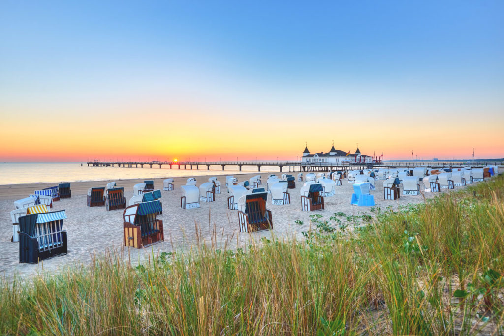 Insel-Usedom-Kaiserbad-Ahlbeck-Seebruecke-Strand