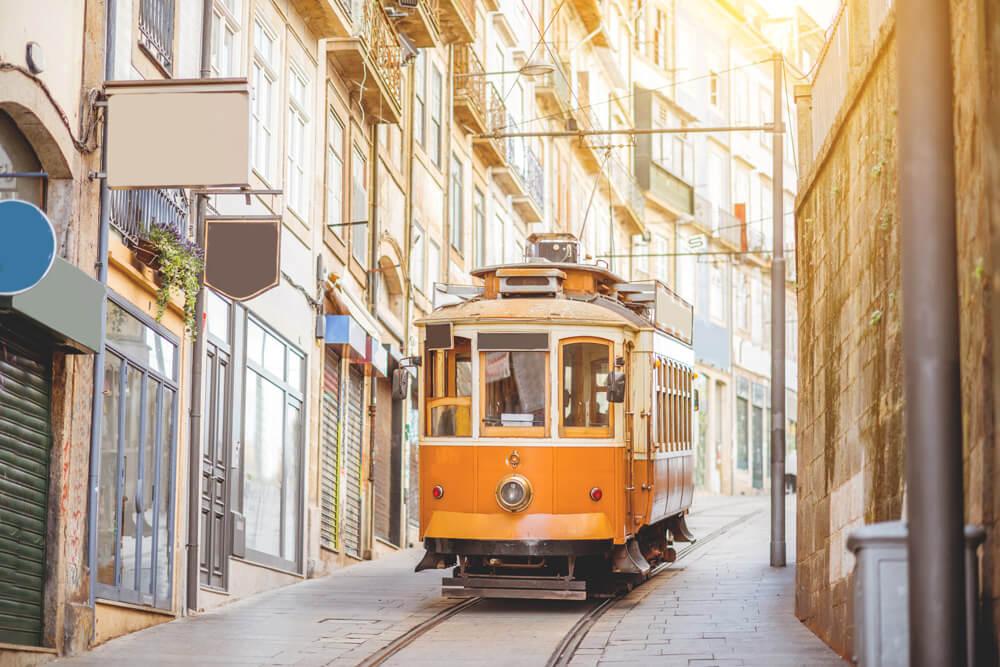 sehenswuerdigkeiten-porto-tram-strassenbahn