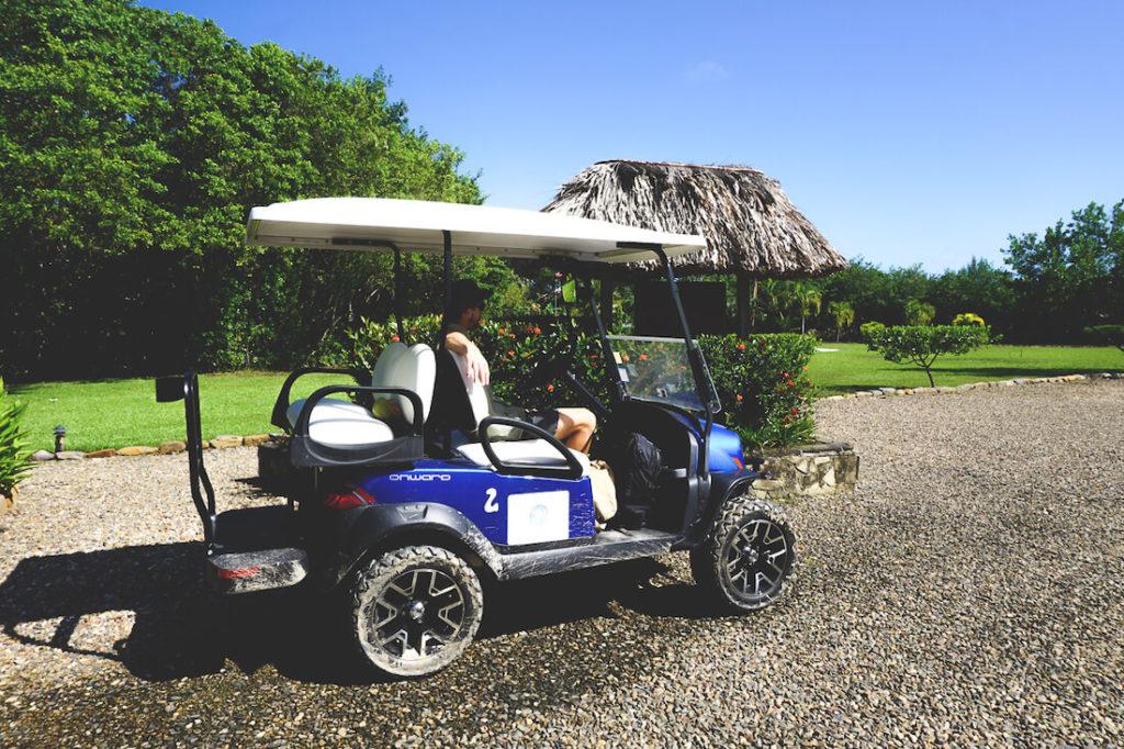 Placencia-Belize-Golf-Caddy-mieten