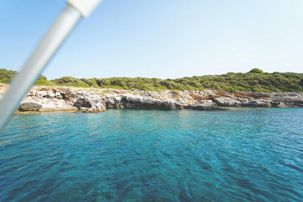Pula-Highlights-Ausflug-Boot-Bucht-Wasser