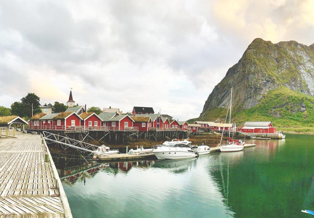 lofoten-in-norwegen-reine-holzhuetten