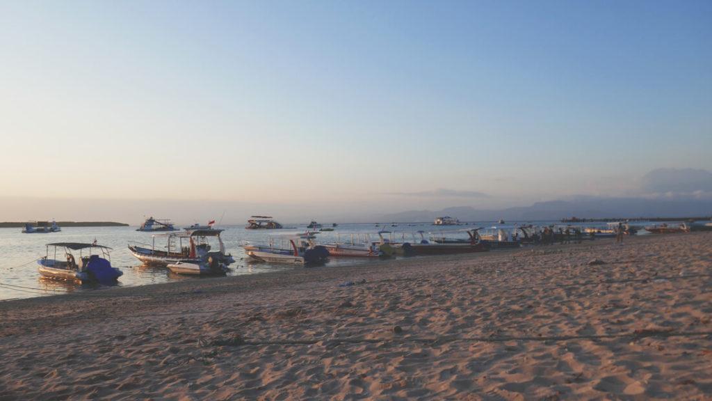 Hafen-Nusa-Penida-Boote-Meer