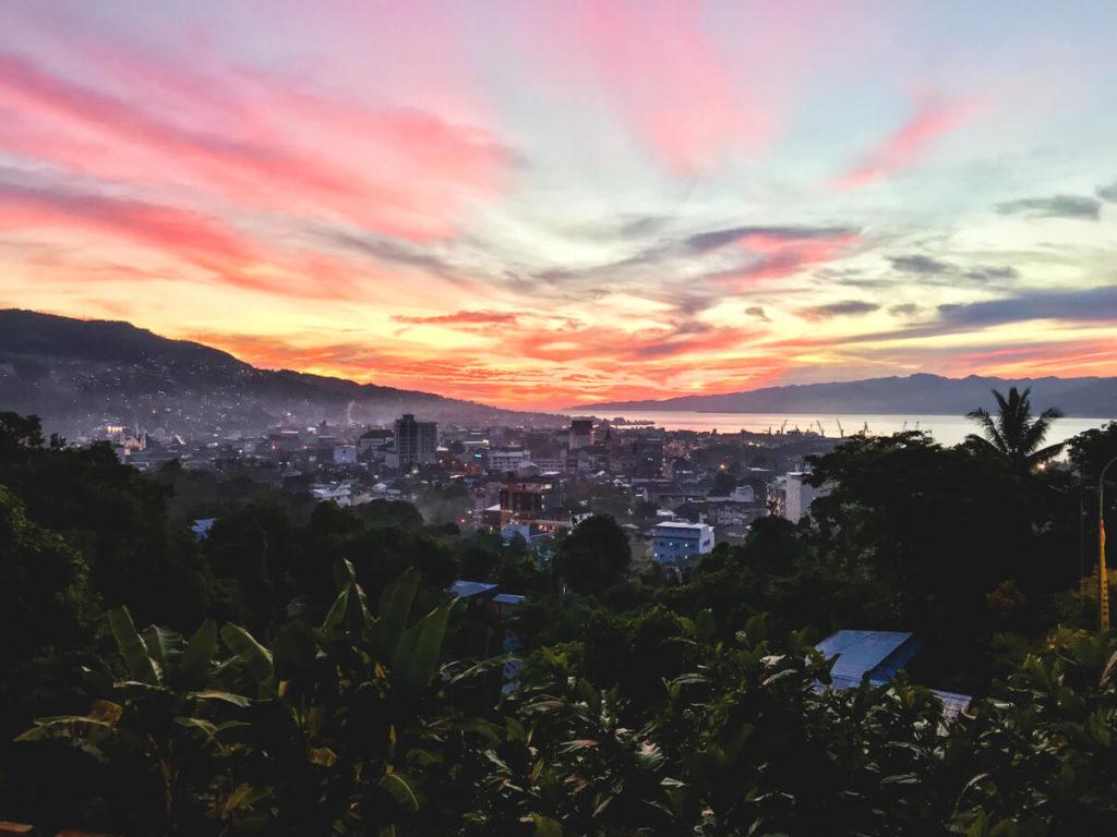 Kota-Ambon-Sonnenuntergang-Molukken