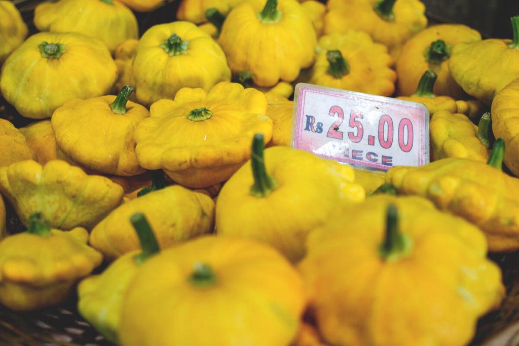 Mauritius-guenstig-Obst-kaufen-Markt