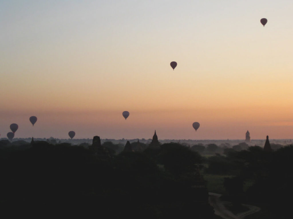 Myanmar-Rundreise-Bagan-Pagoden-Sonnenaufgang-1