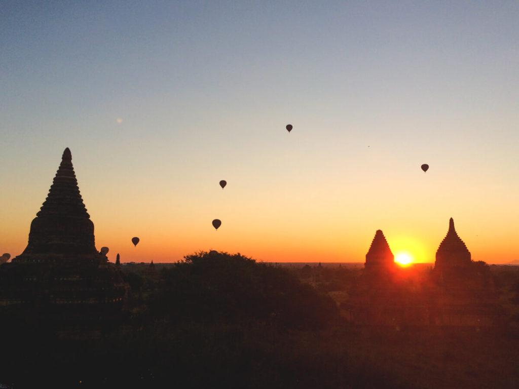 Myanmar-Rundreise-Bagan-Pagoden-Sonnenaufgang