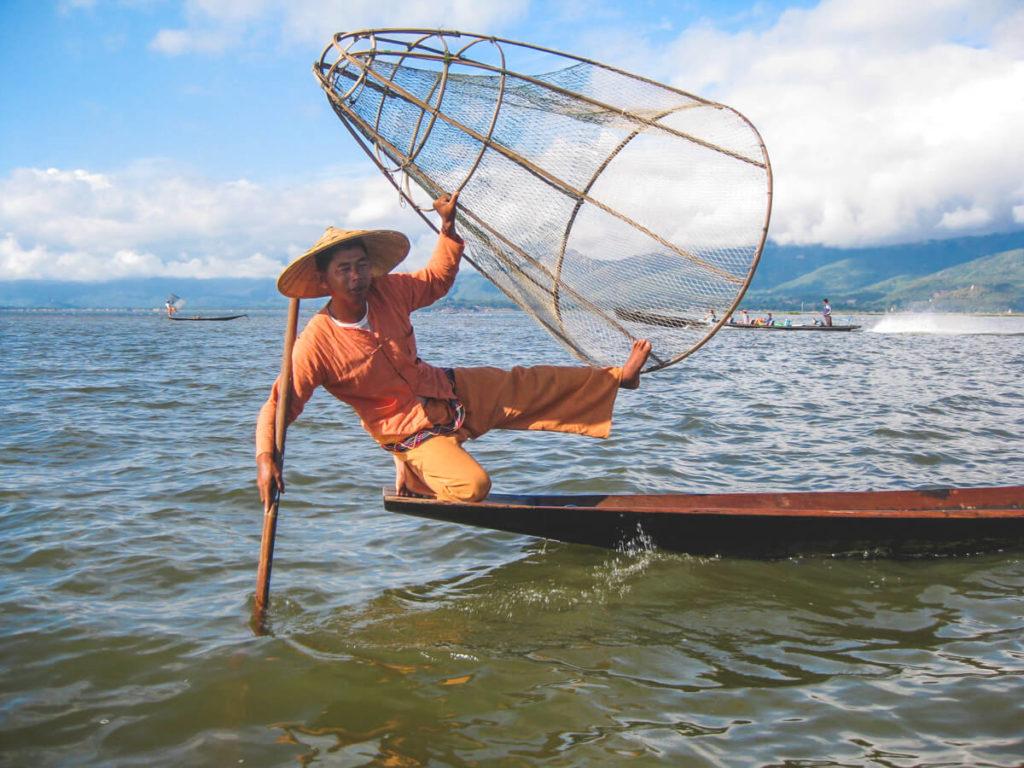 Myanmar-Rundreise-Boote-Inle-Lake-Fischer